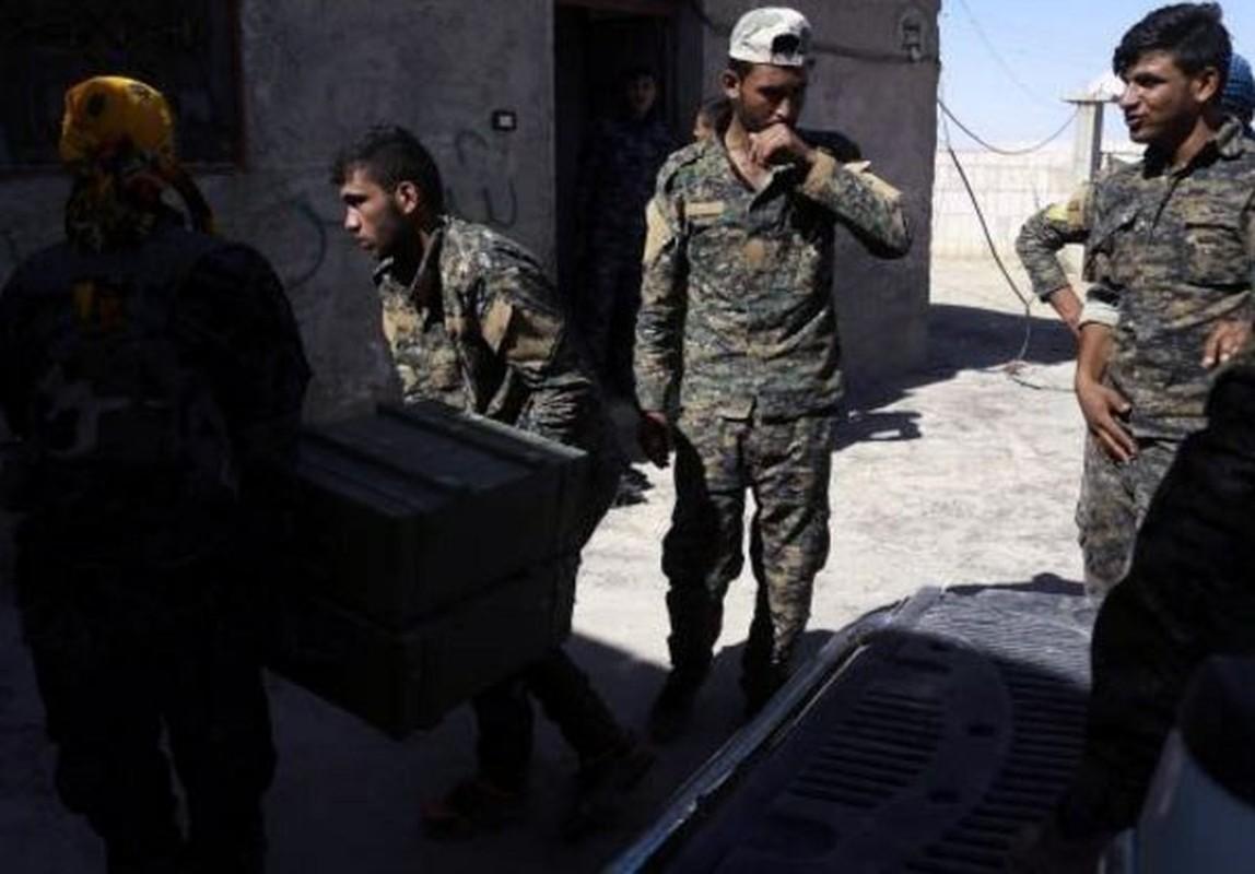 "Anh: My ""tuon"" vu khi cho nguoi Kurd tai Raqqa-Hinh-4"