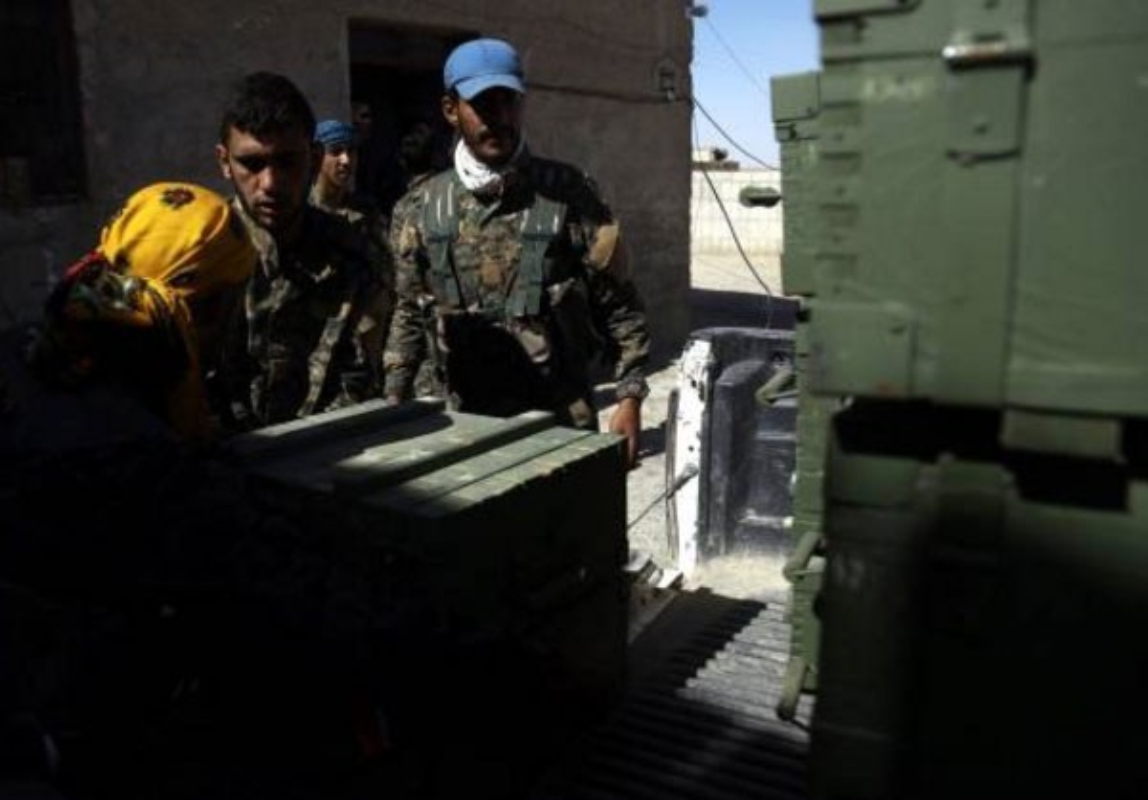 "Anh: My ""tuon"" vu khi cho nguoi Kurd tai Raqqa"