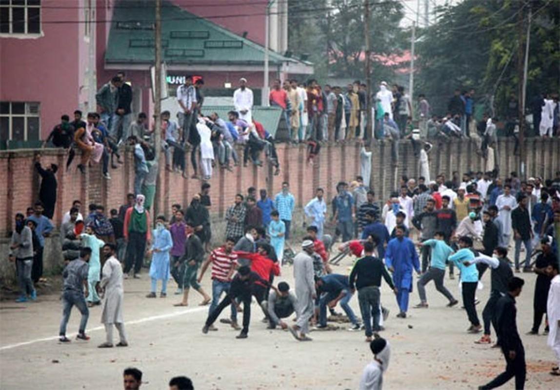 Anh: Dung do du doi bung phat o Kashmir dip le Eid al-Fitr-Hinh-2
