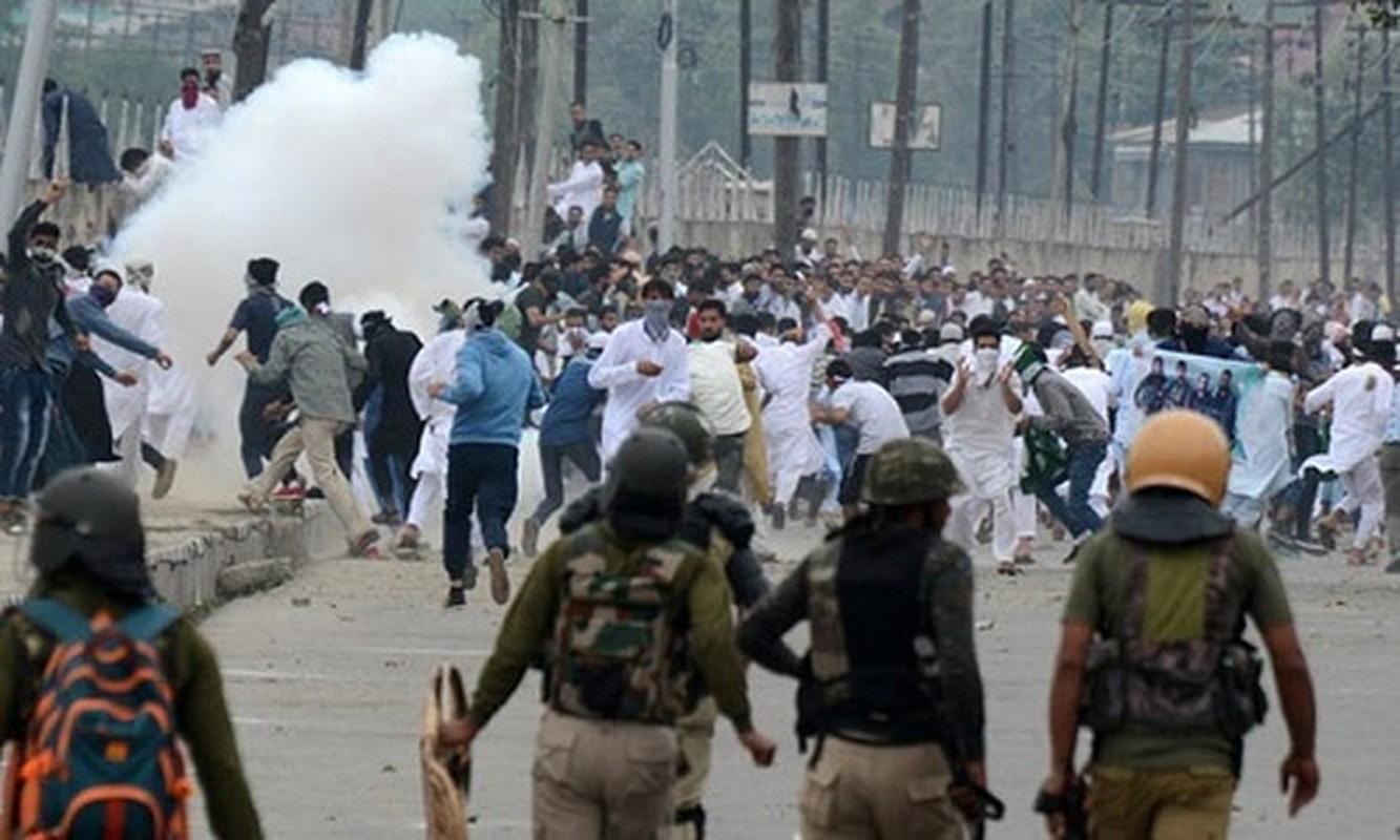 Anh: Dung do du doi bung phat o Kashmir dip le Eid al-Fitr-Hinh-3