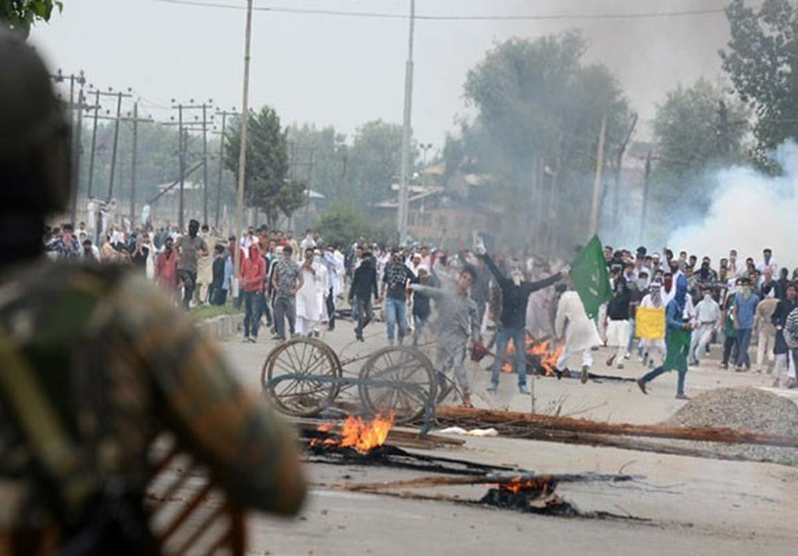 Anh: Dung do du doi bung phat o Kashmir dip le Eid al-Fitr-Hinh-5
