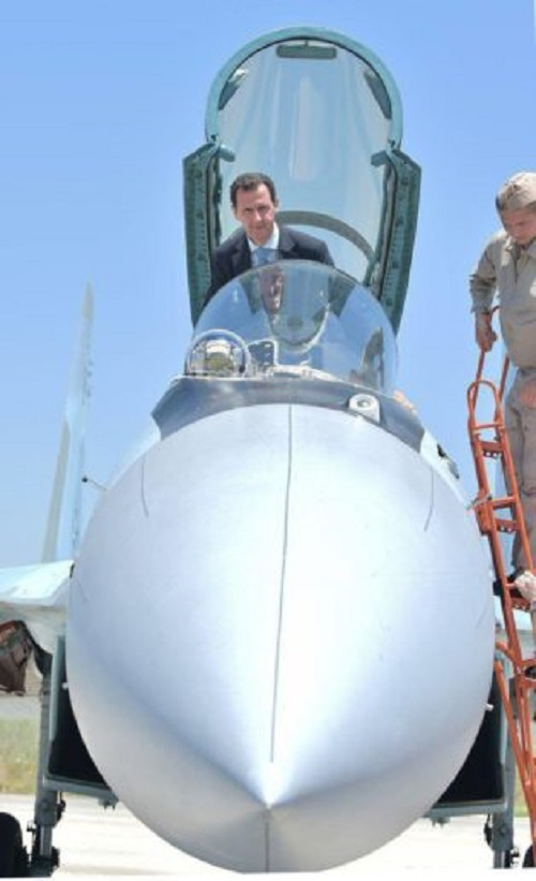 Anh: Tong thong Assad tham can cu khong quan cua Nga o Syria-Hinh-10