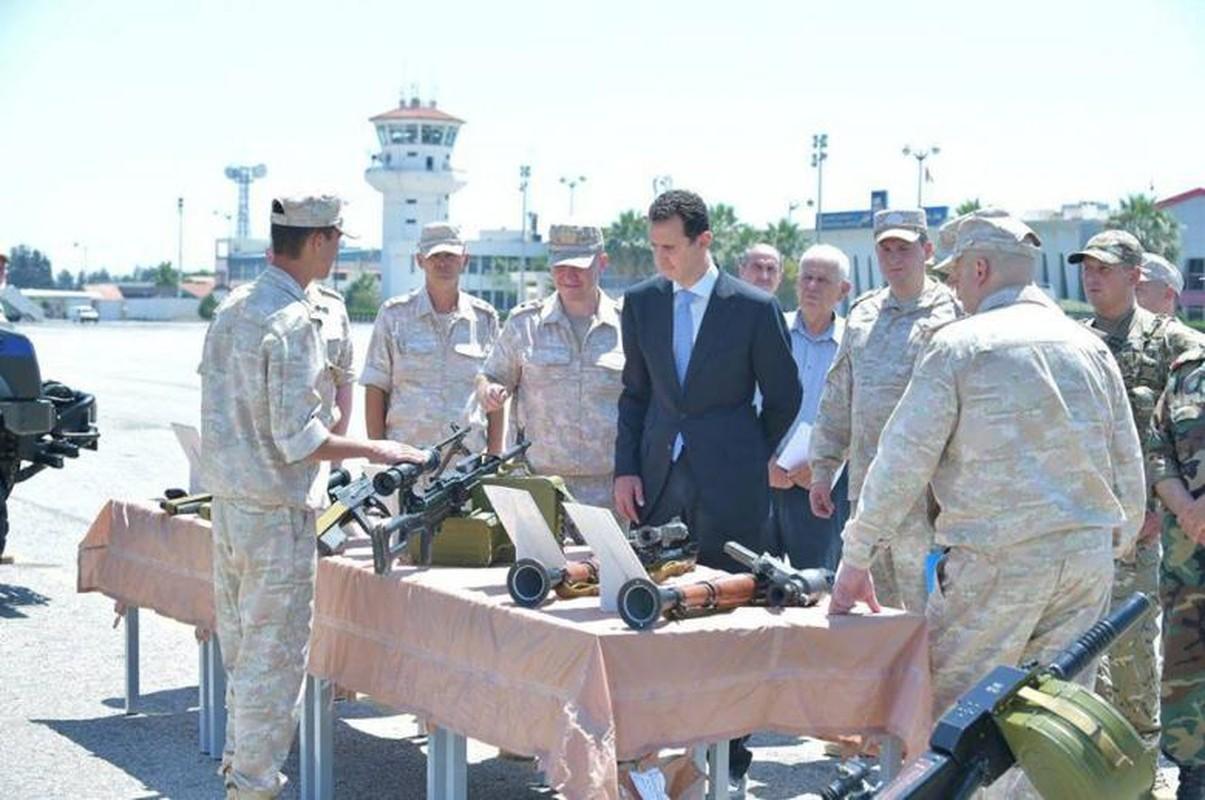Anh: Tong thong Assad tham can cu khong quan cua Nga o Syria-Hinh-11