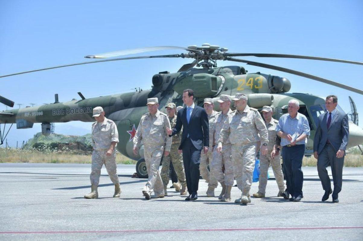 Anh: Tong thong Assad tham can cu khong quan cua Nga o Syria-Hinh-3