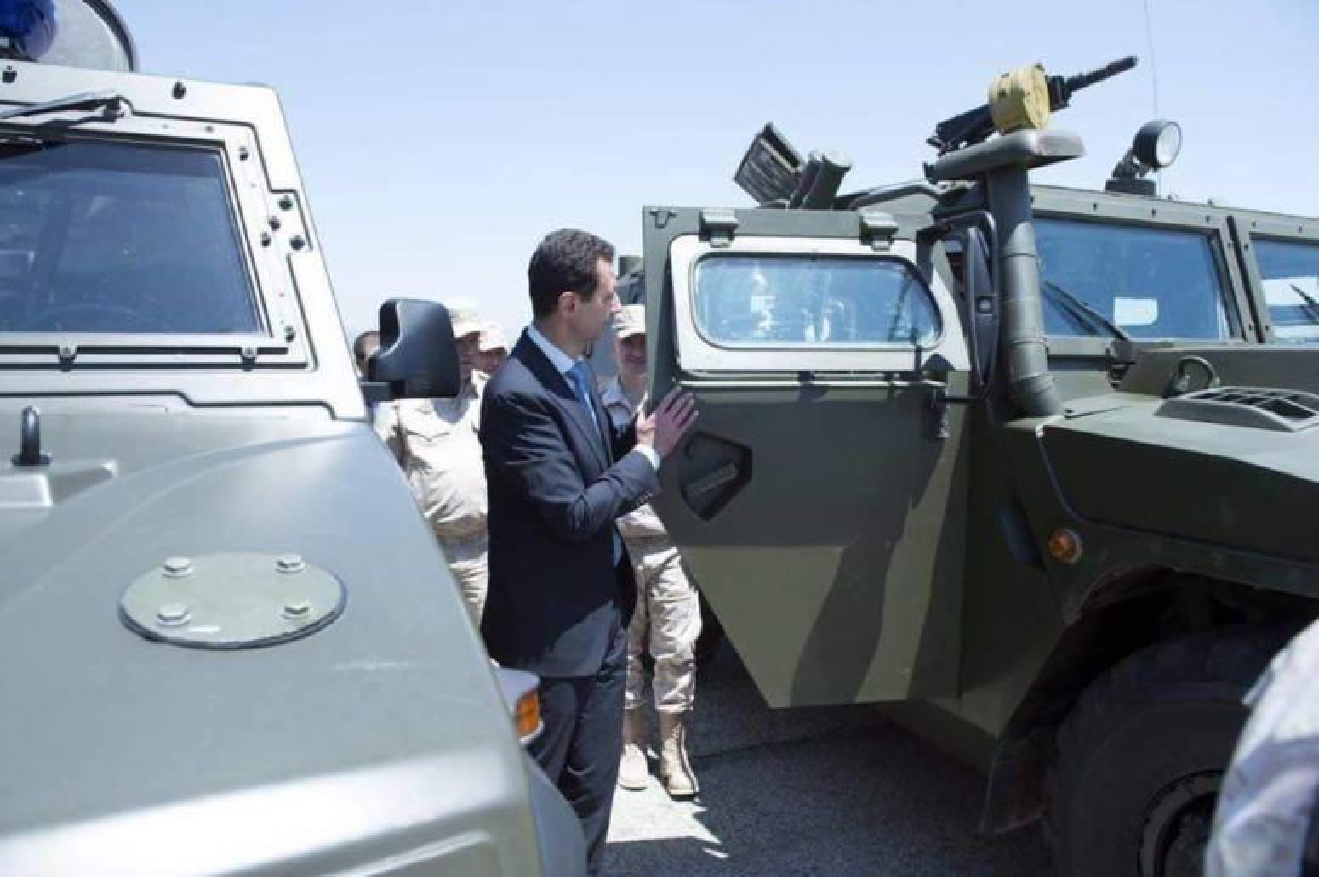 Anh: Tong thong Assad tham can cu khong quan cua Nga o Syria-Hinh-7