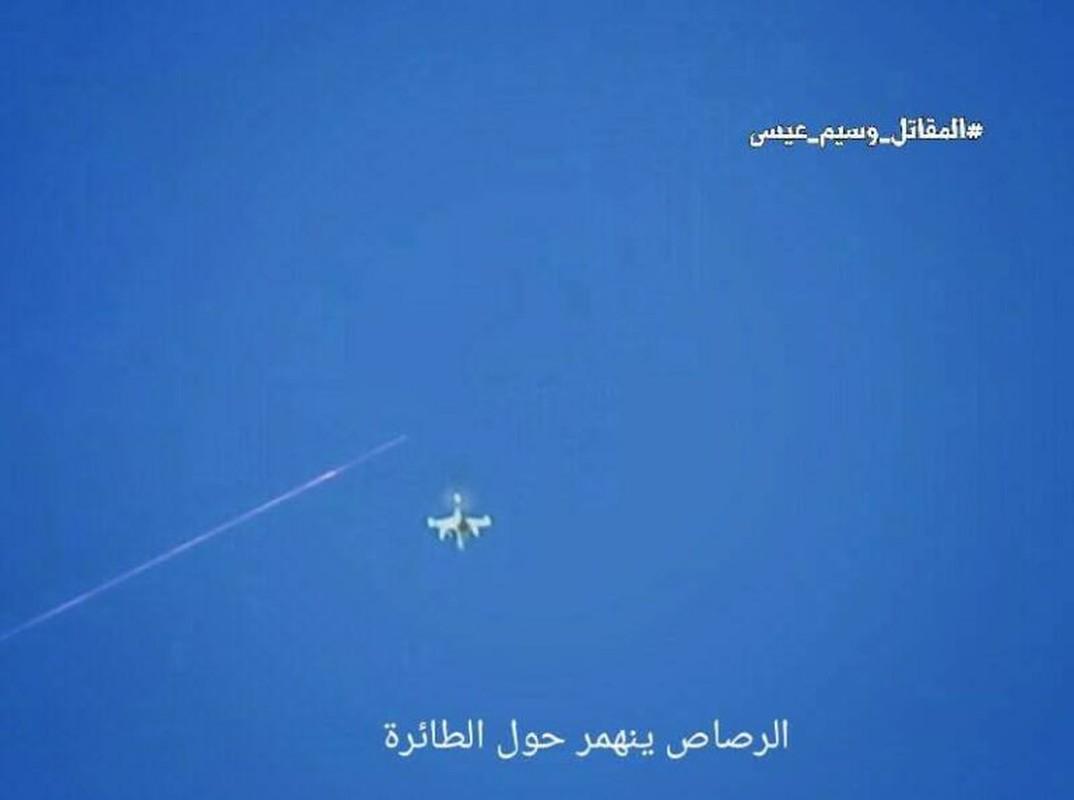 Anh: Quan doi Syria ban ha UAV cua khung bo than al-Qaeda-Hinh-3