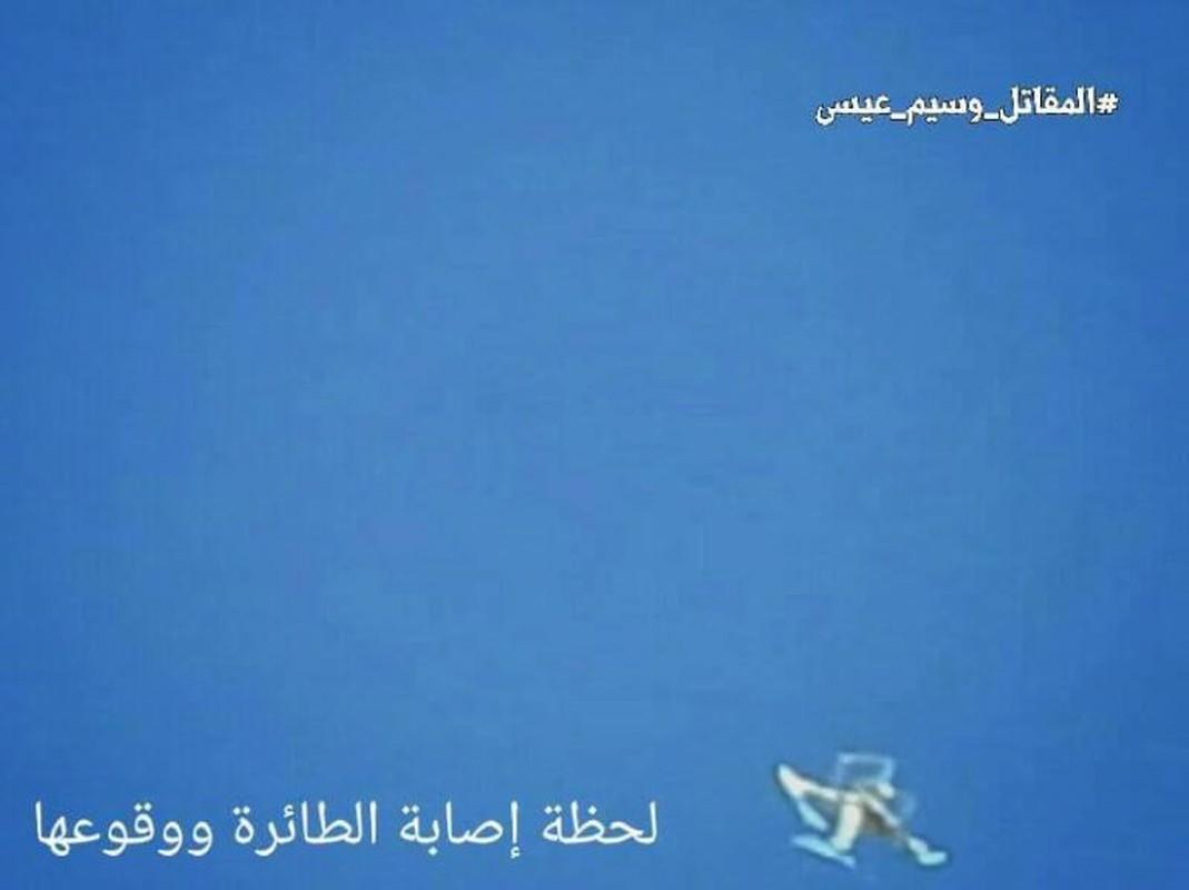 Anh: Quan doi Syria ban ha UAV cua khung bo than al-Qaeda-Hinh-4