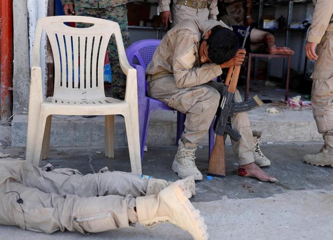 Canh kinh hai ben trong benh vien da chien o Raqqa-Hinh-9