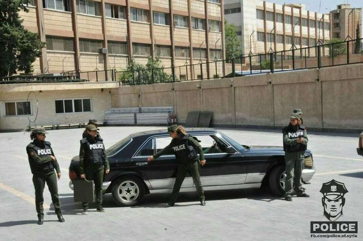 "Chum anh nu canh sat Syria xinh dep ""kho luyen"" o Damascus-Hinh-8"