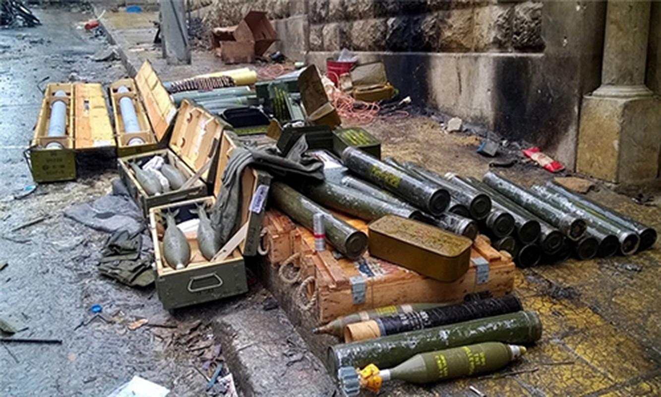 Tich thu kho vu khi khung cua phien quan o Homs