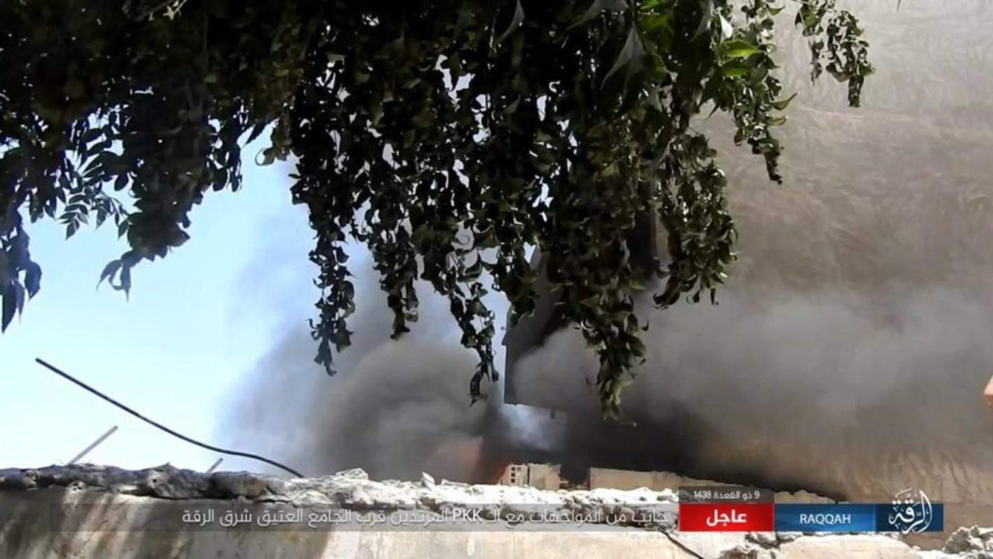 Kinh hoang IS bat tre em danh bom lieu chet o Raqqa-Hinh-12