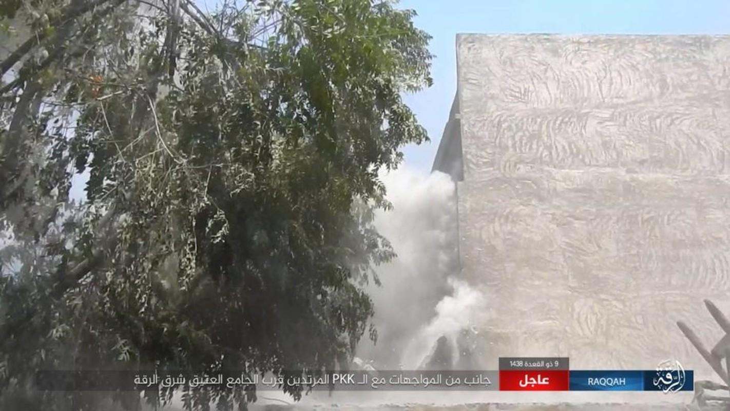 Kinh hoang IS bat tre em danh bom lieu chet o Raqqa-Hinh-13
