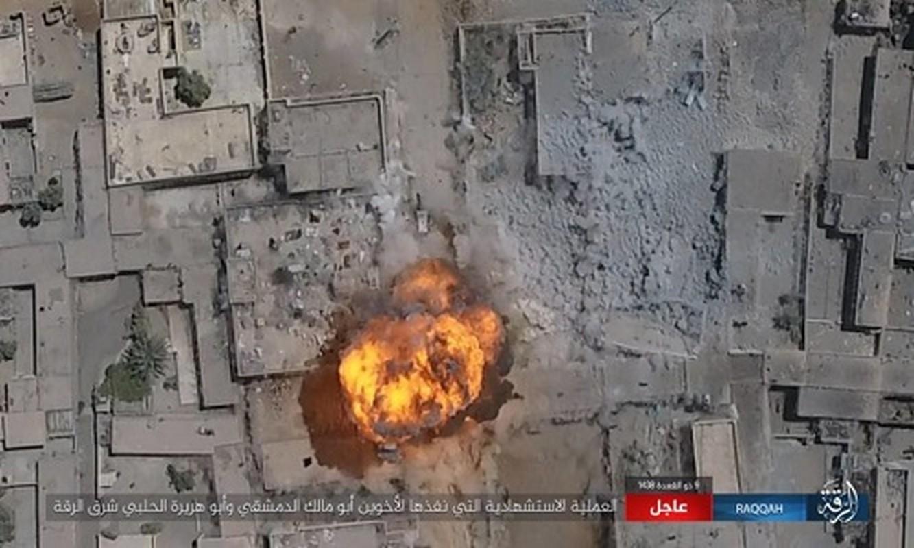 Kinh hoang IS bat tre em danh bom lieu chet o Raqqa-Hinh-4