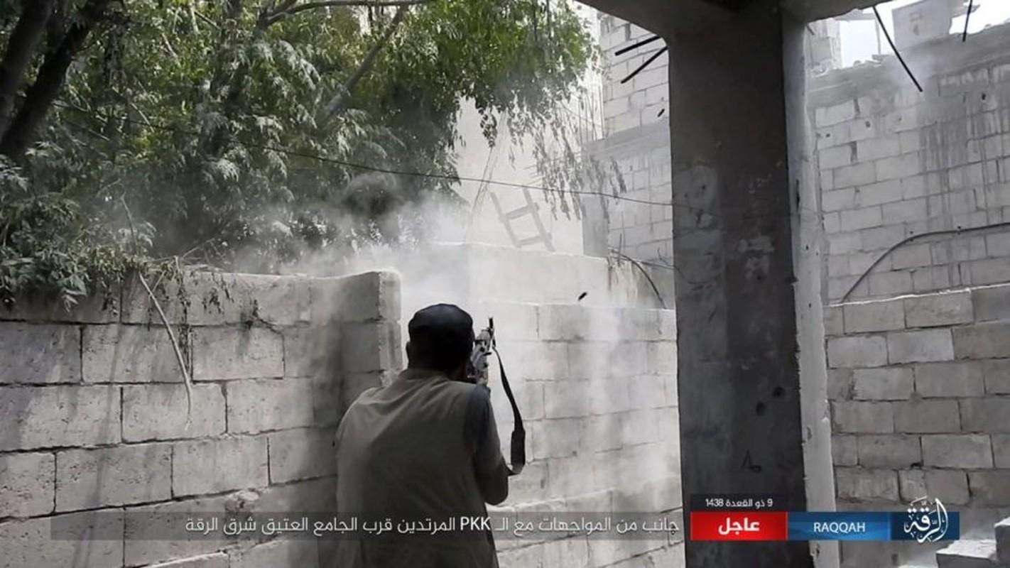 Kinh hoang IS bat tre em danh bom lieu chet o Raqqa-Hinh-6