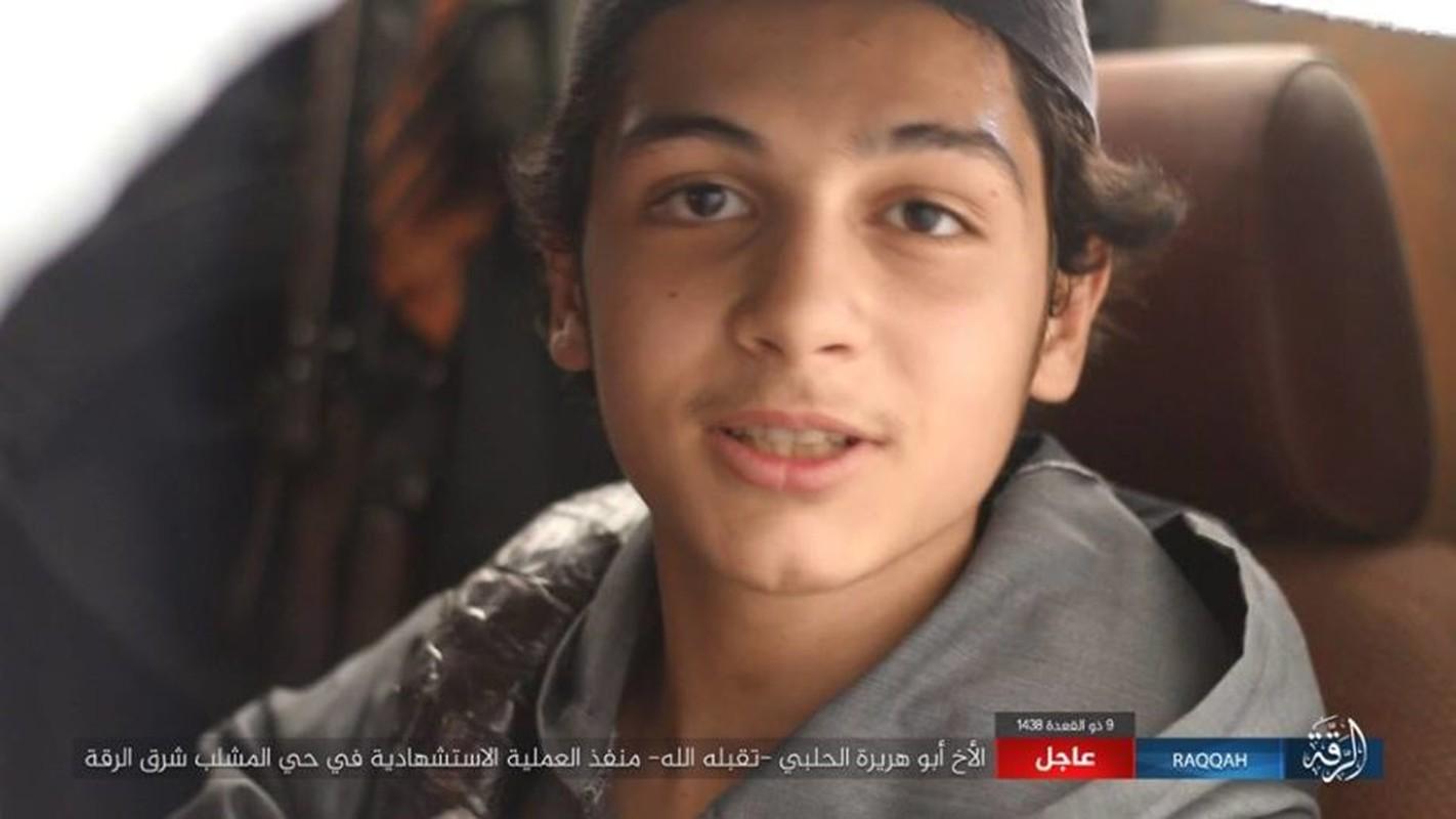 Kinh hoang IS bat tre em danh bom lieu chet o Raqqa
