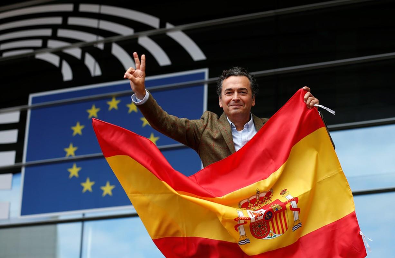 Bien nguoi Catalonia phan doi doc lap, the trung thanh voi Tay Ban Nha-Hinh-5