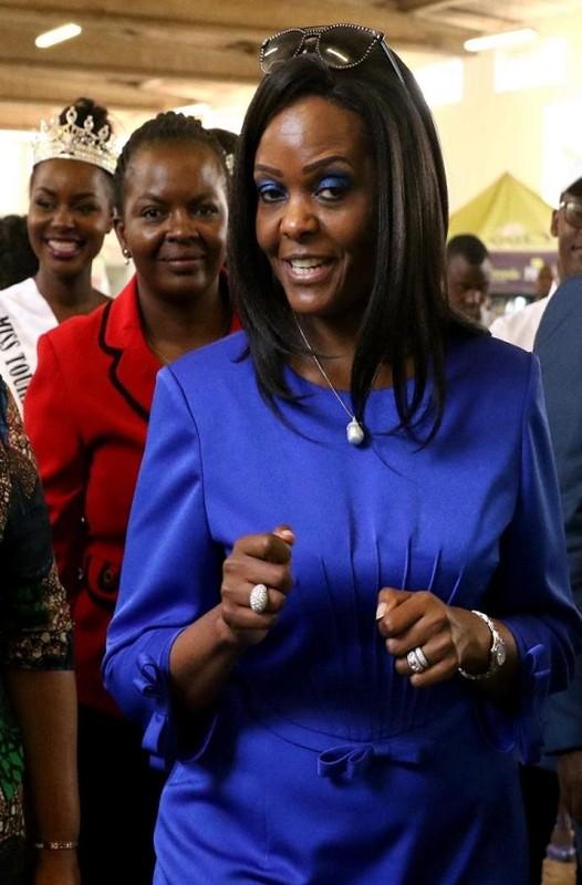 Quen song xa hoa, ba Mugabe ra sao sau khi chong mat chuc?-Hinh-6