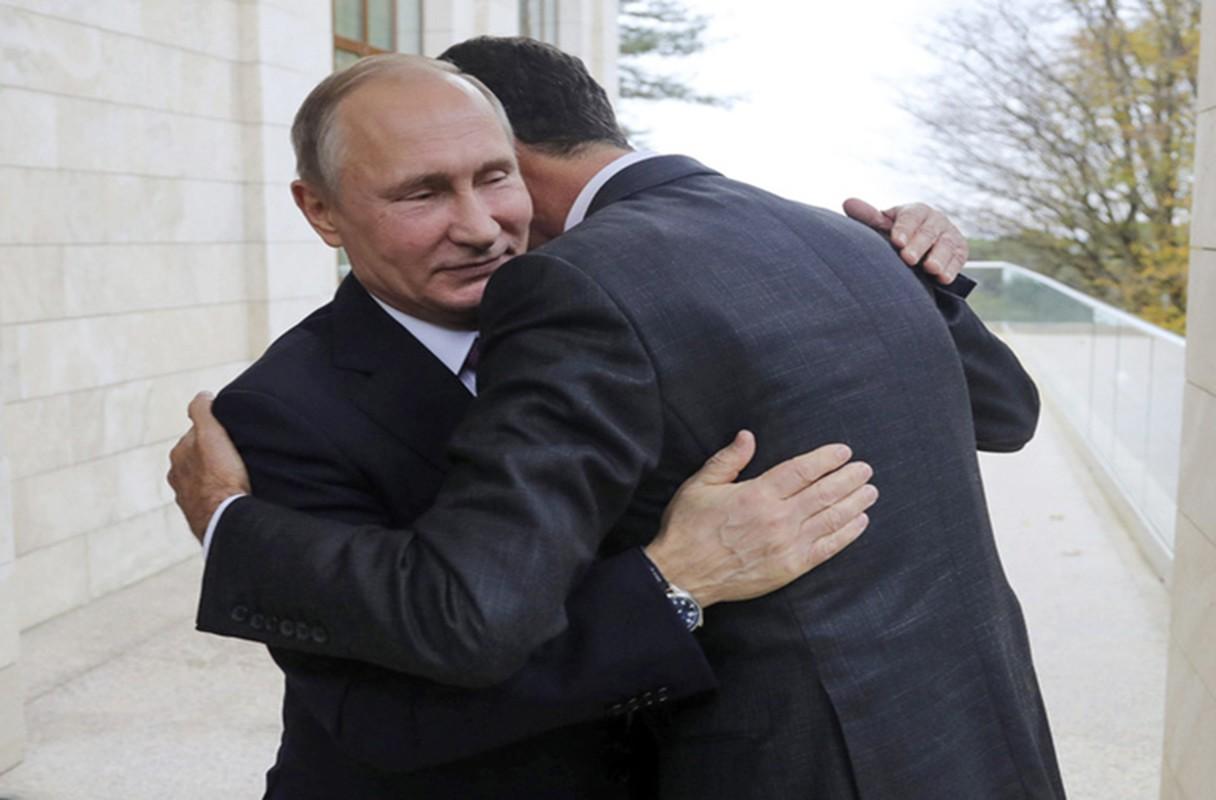Cai bat tay chien thang cua Tong thong Putin va Tong thong Assad-Hinh-3