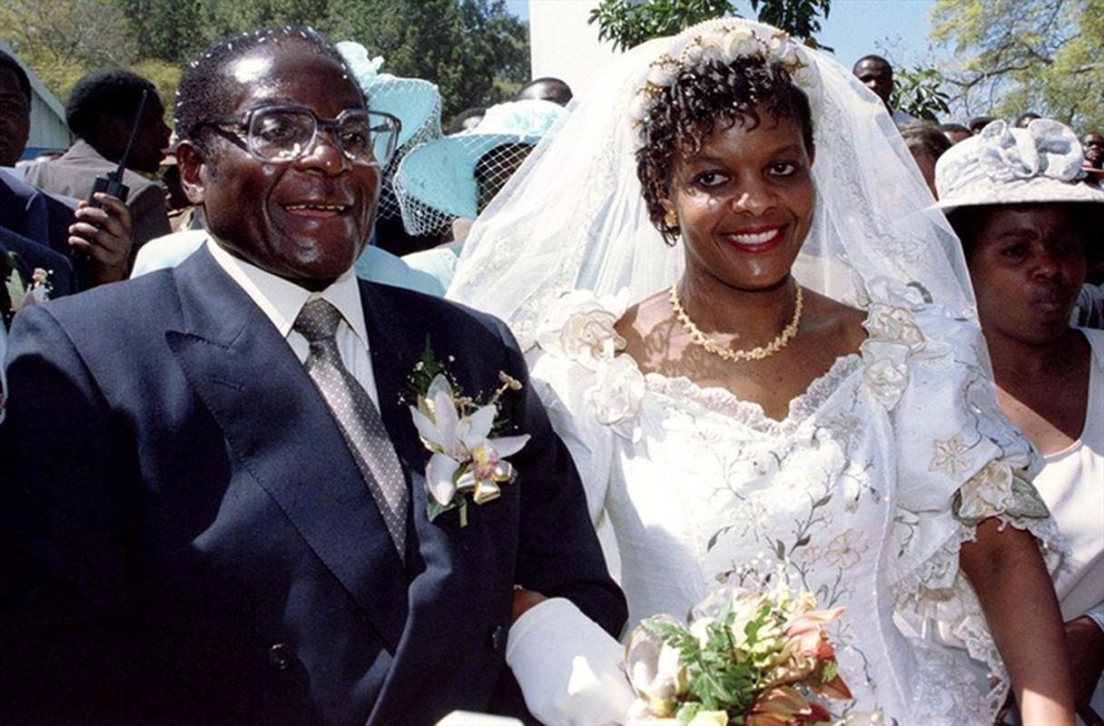 Quen song xa hoa, ba Mugabe ra sao sau khi chong mat chuc?-Hinh-4
