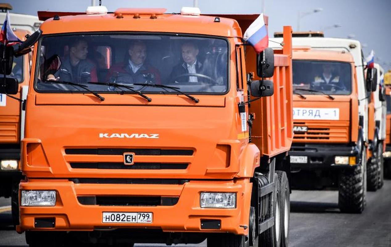 Tan muc cau dai nhat Chau Au noi lien Crimea voi Nga-Hinh-3