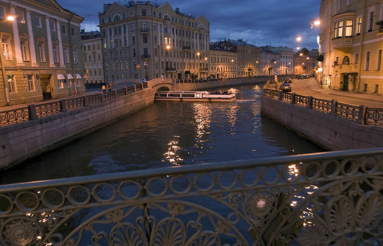 Kinh ngac hien tuong dem trang o thanh pho Saint Petersburg-Hinh-7