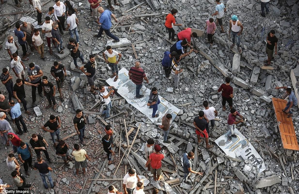 """Israel-Hamas doi dau, Dai Gaza hung du """"mua bom bao dan""""-Hinh-12"""
