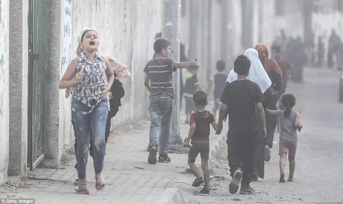 """Israel-Hamas doi dau, Dai Gaza hung du """"mua bom bao dan""""-Hinh-2"""