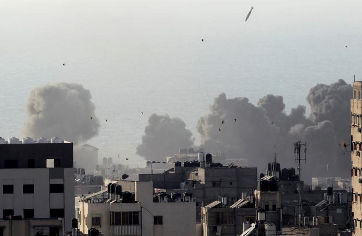 """Israel-Hamas doi dau, Dai Gaza hung du """"mua bom bao dan""""-Hinh-9"""