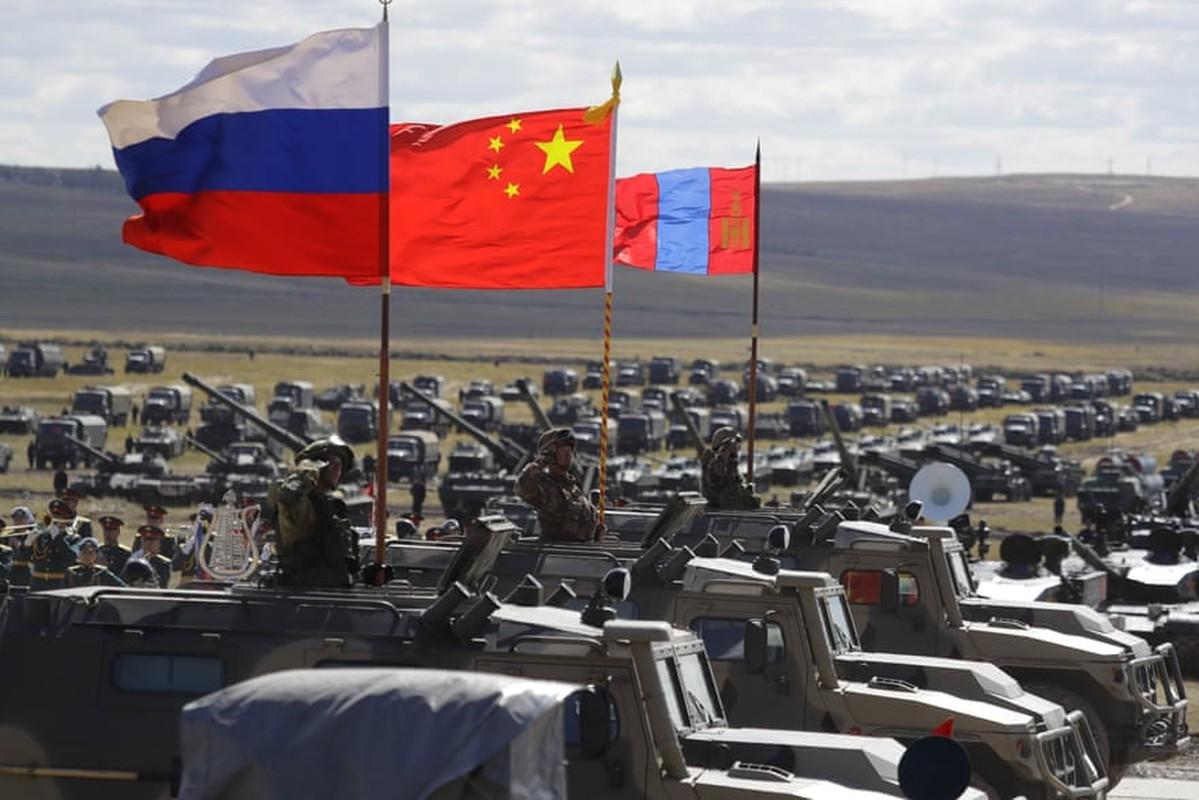 Tong thong Nga Putin da noi gi khi thi sat cuoc tap tran Vostok-2018?-Hinh-11
