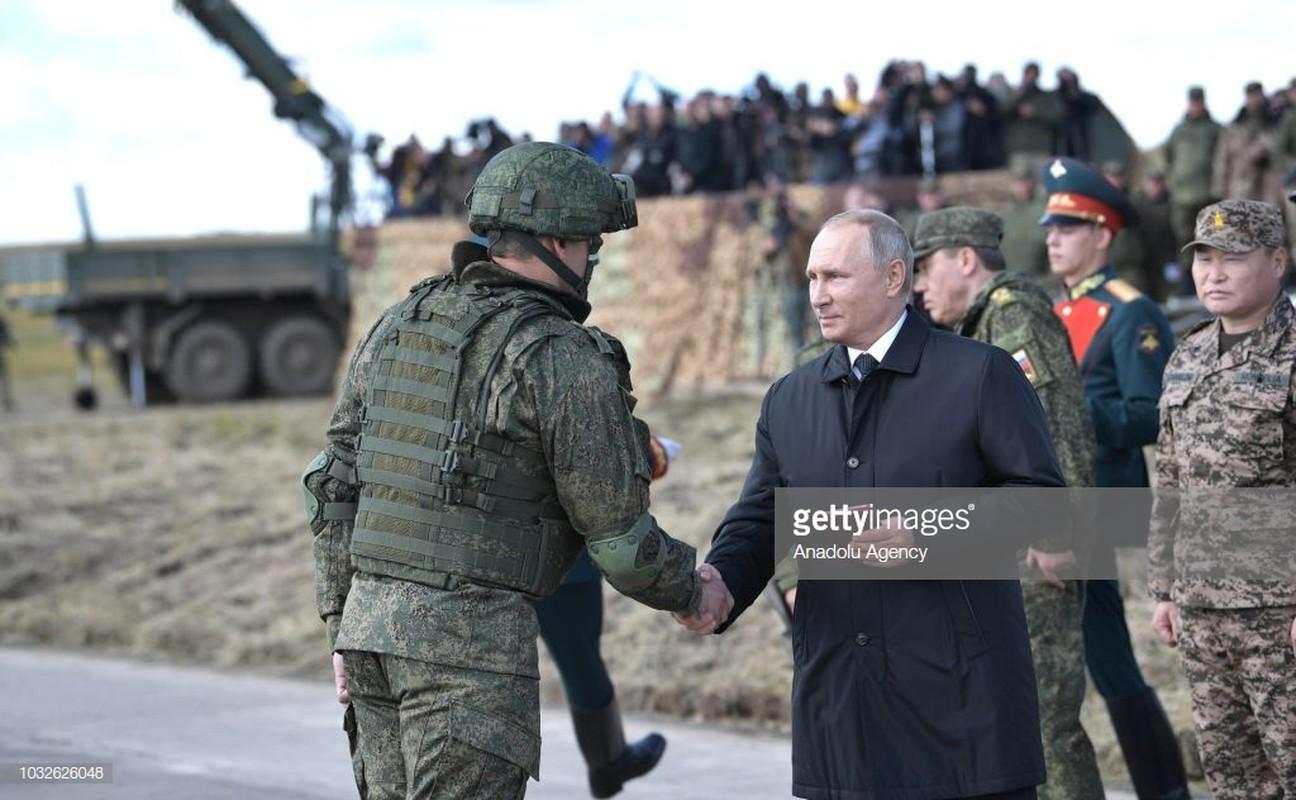 Tong thong Nga Putin da noi gi khi thi sat cuoc tap tran Vostok-2018?-Hinh-8