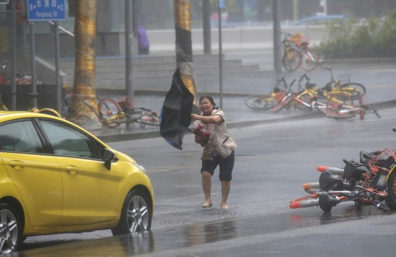 Toan canh sieu bao Mangkhut tan pha Philippines, Trung Quoc-Hinh-2