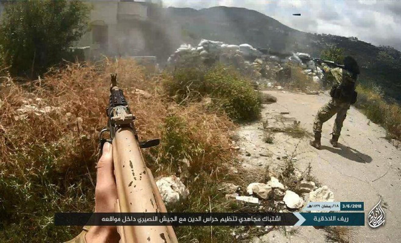 Khong cam tam mat dat, khung bo HTS quyet pha vong vay Idlib?-Hinh-4