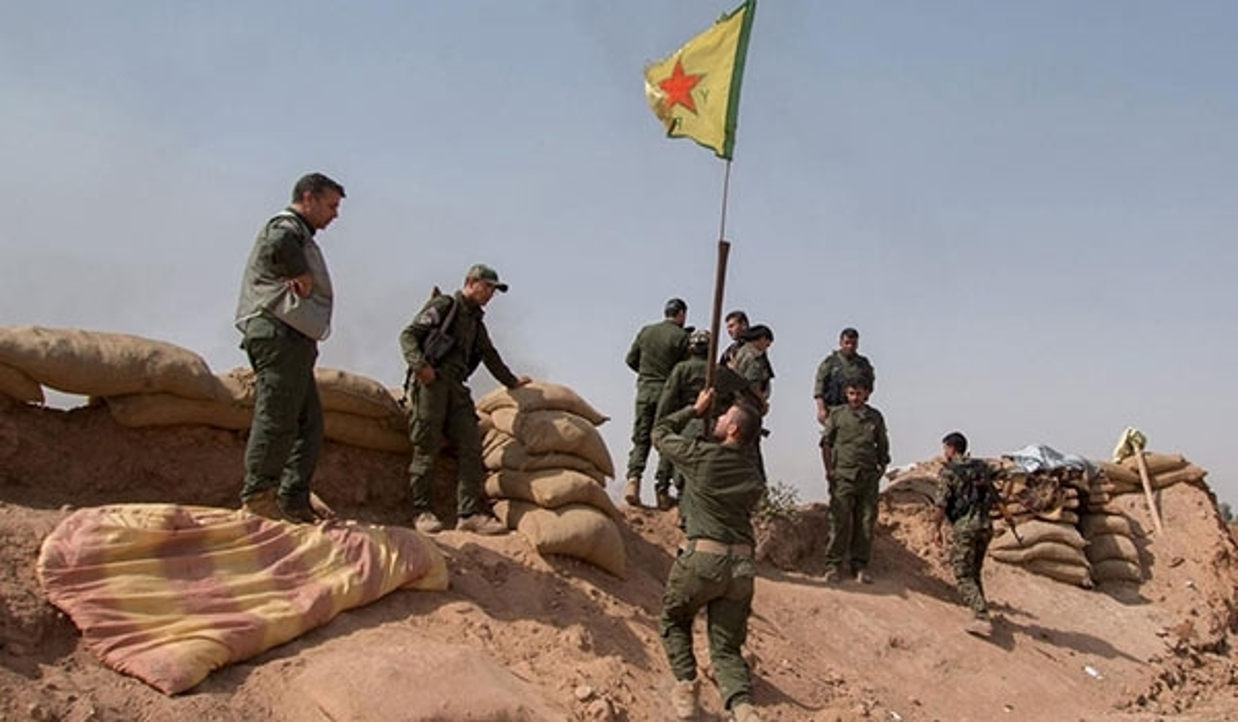 "SDF thang lon, IS ""chet nhu nga ra"" tren chien truong Deir Ezzor-Hinh-5"