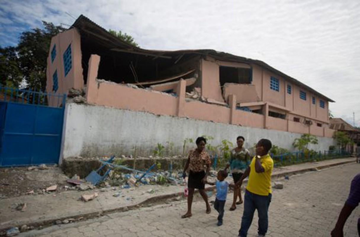 Tan hoang hien truong dong dat o Haiti, hon 100 nguoi thuong vong-Hinh-10