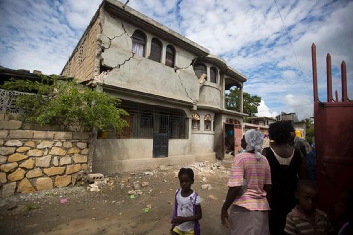 Tan hoang hien truong dong dat o Haiti, hon 100 nguoi thuong vong-Hinh-4