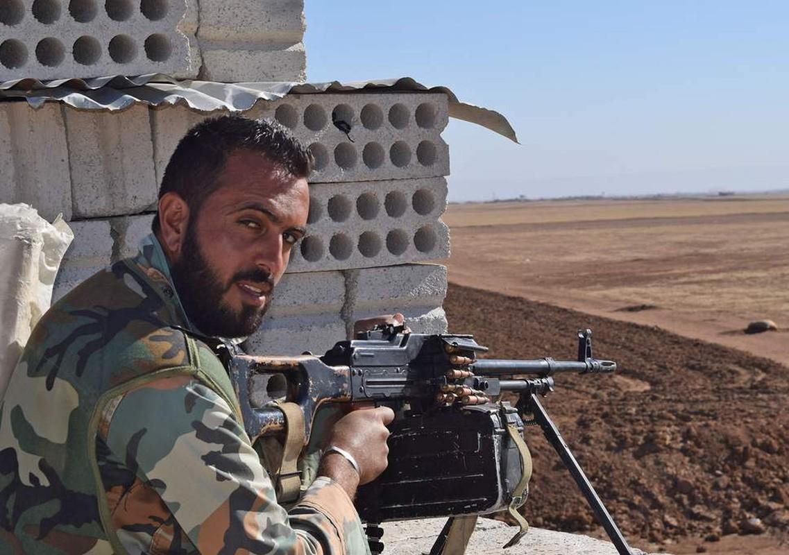 """Quan doi Syria tich thu kho vu khi """"khung"""" cua phien quan o Daraa-Hinh-7"""