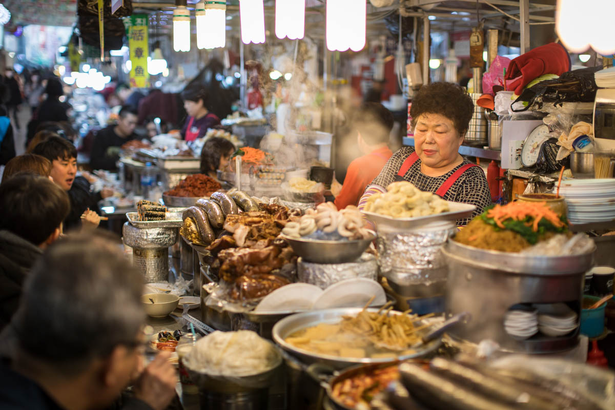 No cang bung khi ghe tham khu cho Gwangjang noi tieng o Han Quoc-Hinh-12