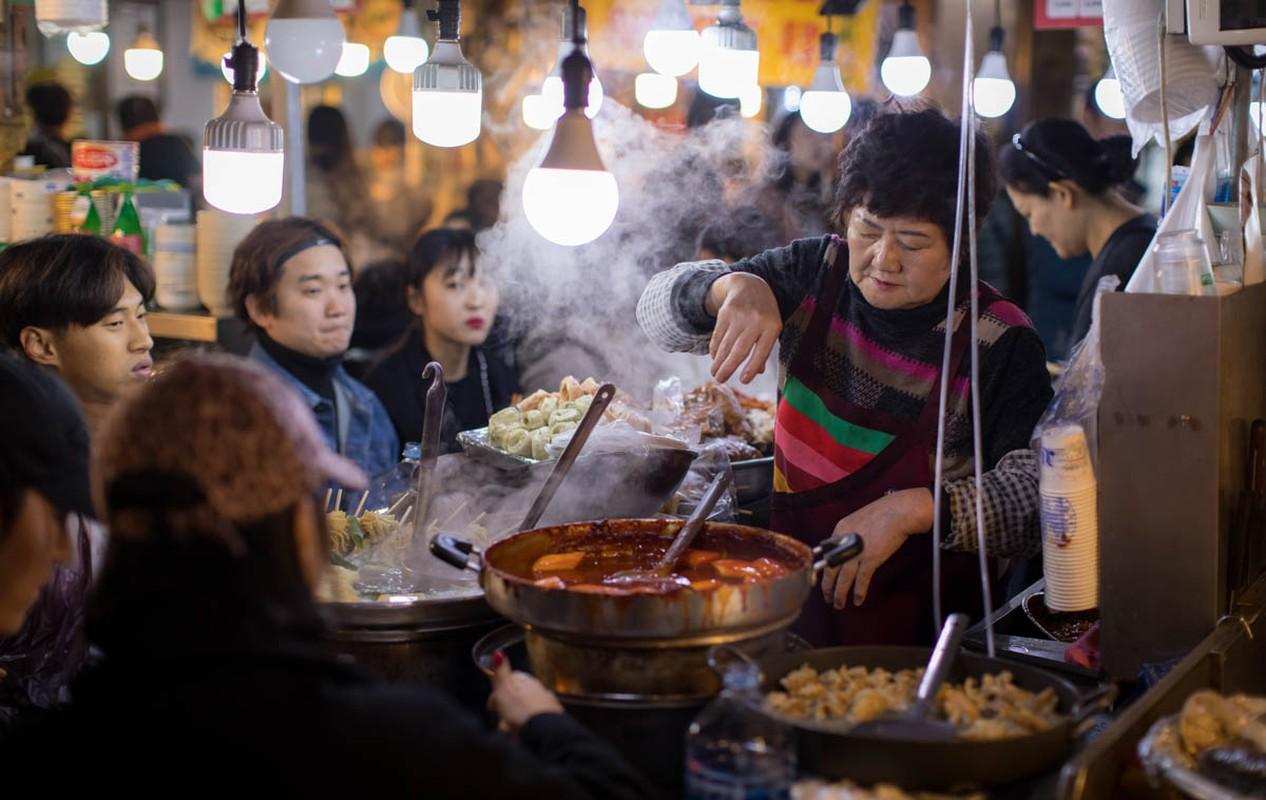 No cang bung khi ghe tham khu cho Gwangjang noi tieng o Han Quoc-Hinh-5