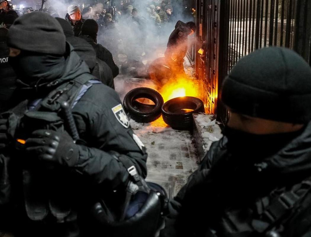 Toan canh vu dung do khien cang thang Nga-Ukraine leo thang-Hinh-9