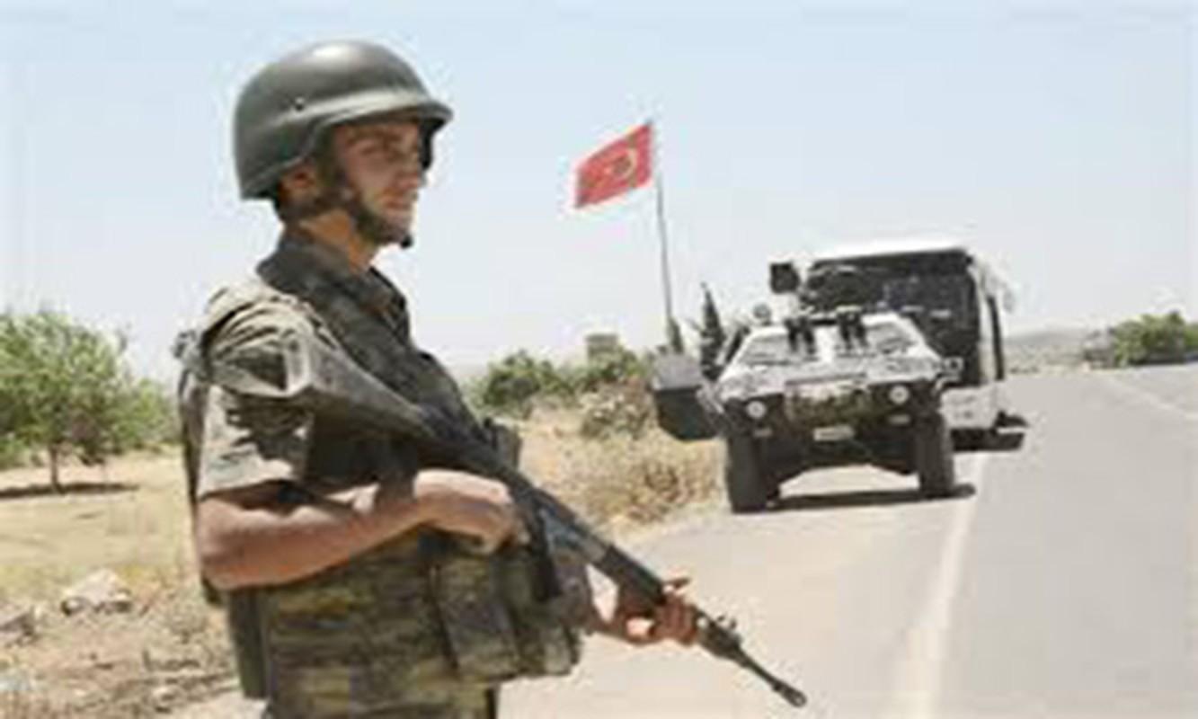 Tho Nhi Ky ap sat bien gioi Syria, sap khai chien voi nguoi Kurd-Hinh-8