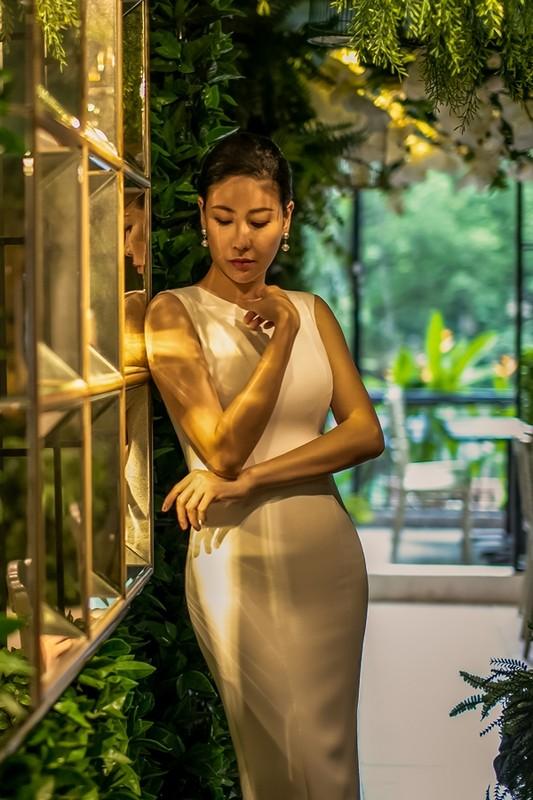 """Hoa hau Ha Kieu Anh dep quy phai """"an dut dan em""""-Hinh-2"""