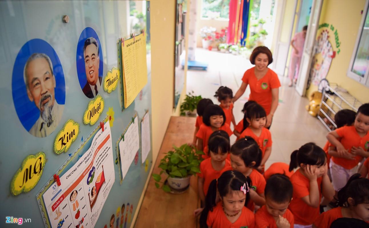 Ngoi truong co lop hoc mang ten Kim Nhat Thanh, Kim Jong Il o Ha Noi-Hinh-7
