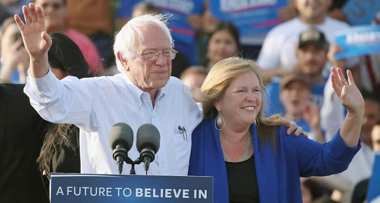TNS Bernie Sanders vua tuyen bo tranh cu Tong thong My la ai?-Hinh-10