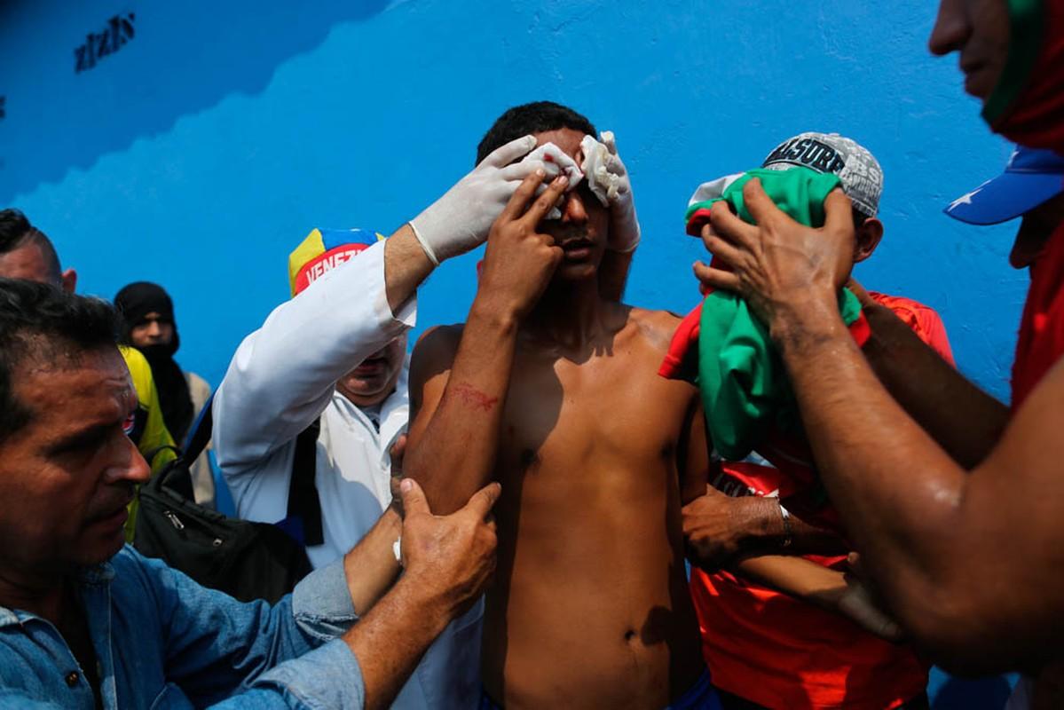 Toan canh dung do du doi tai bien gioi Venezuela-Colombia-Hinh-5