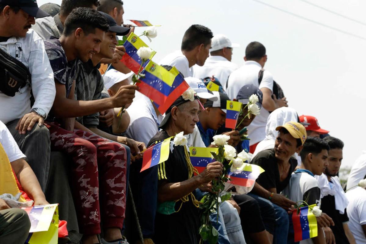 Toan canh dung do du doi tai bien gioi Venezuela-Colombia-Hinh-8
