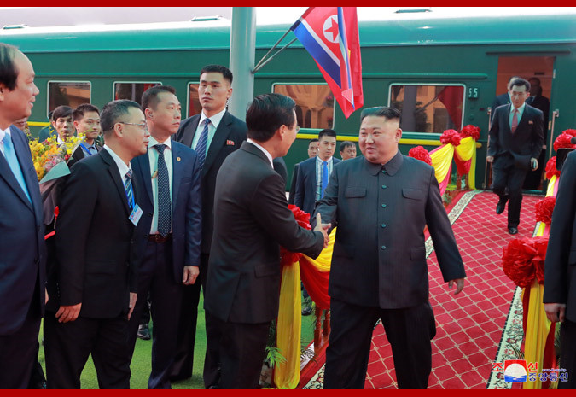 Ngay dau Chu tich Kim Jong-un den Viet Nam tren bao Trieu Tien-Hinh-2
