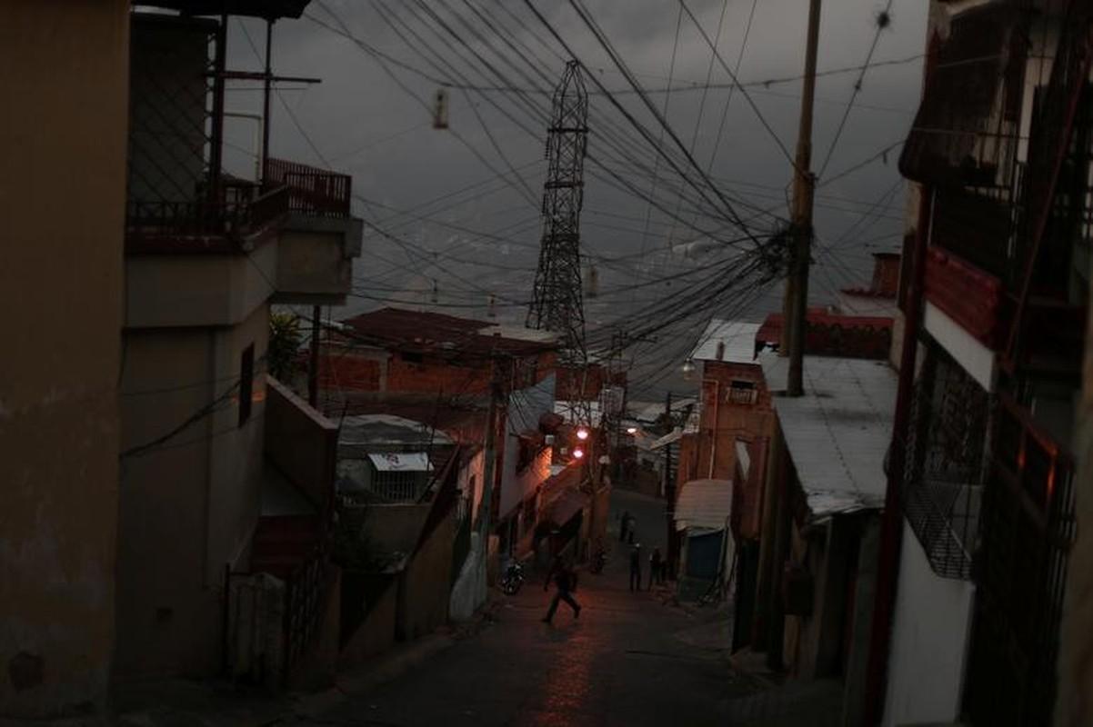 Le loi cuoc song o Venezuela giua con khung hoang-Hinh-4