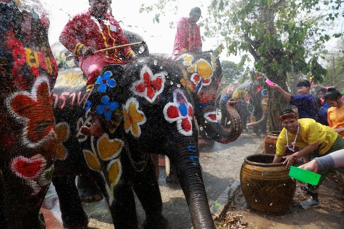 Tung bung le hoi te nuoc mung Nam moi o Thai Lan-Hinh-3