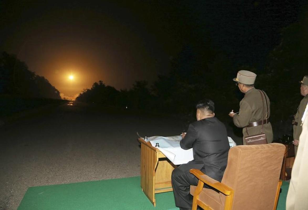 Loat hinh an tuong ve Tong Tu lenh Toi cao Kim Jong-un-Hinh-12