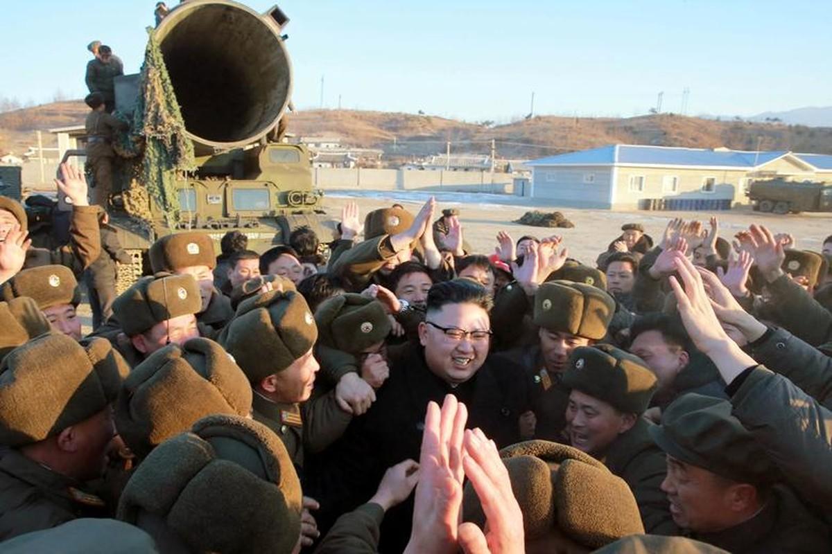 Loat hinh an tuong ve Tong Tu lenh Toi cao Kim Jong-un-Hinh-8
